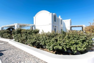 aspronisi-villa-secret-earth-santorini-12