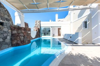 aspronisi-villa-secret-earth-santorini-16