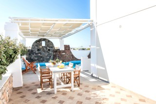 aspronisi-villa-secret-earth-santorini-2