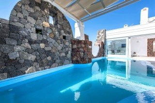 aspronisi-villa-secret-earth-santorini-6